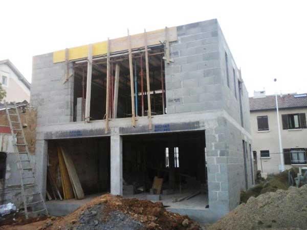 Construcción de las paredes - lado del jardín