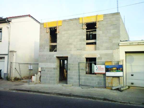 Construcción de muros - lado de la calle